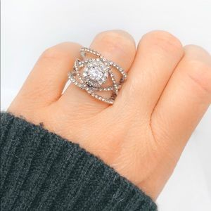 Jewelry - Crisscross Double Round Diamond Silver Ring
